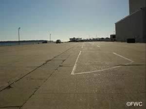 parking at the panama city marina