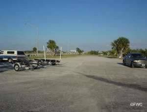 parking at the eau gallie causeway boat ramp