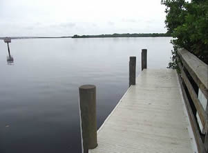 courtesy dock at darst boat ramp