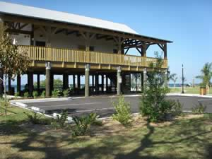 elevated building at bayshore park