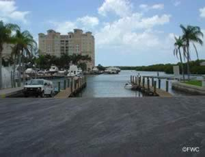 easily acces the gulf of mexico from cocohatchee river park ramp naples florida