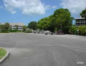 boat trailer parking at naples landing ramp