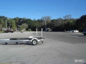 boat ramp parking at oak harbor near mayport