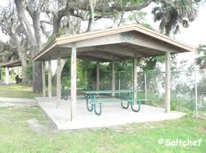 2 small pavilions at dames point park