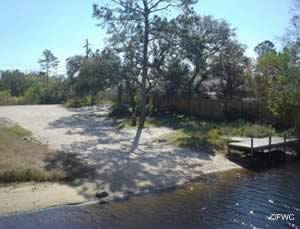 saltwater boat ramp for smaller boats pensacola fl