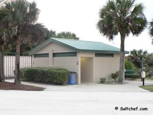 restrooms at jungle hut beach park florida