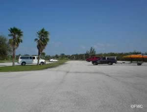 boat trailer parking at round island ramp florida