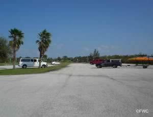 boat trailer parking at round island ramp florida