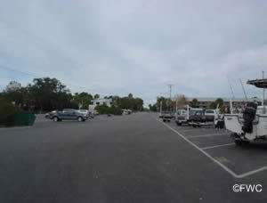 parking for boat trailers at cedar key basin ramp