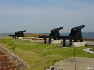 fort clinch guns