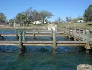 docks at the fort walton beach ramp
