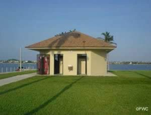 restrooms at currie park ramp