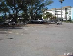 parking at higel marine park in venice florida
