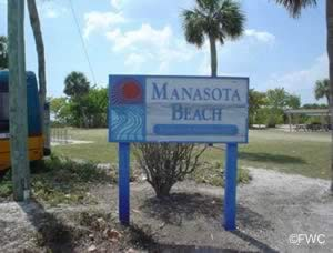 entrance sign to manasota beach park