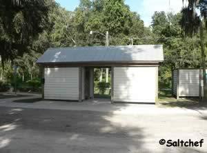 restrooms at riverdale park