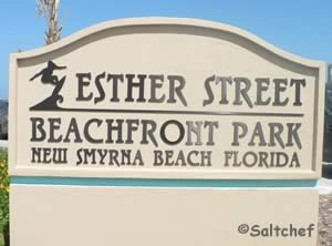 esther street beachfront park sign
