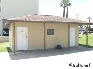 restrooms at larry foroni park daytona beach shores