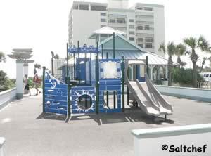 playground at tom renick