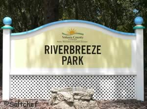 entrance to riverbreeze park and fishing at the pier