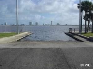 riverfront veterans memorial boat ramp south daytona florida
