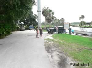 parking at boat ramp at tomoka estates