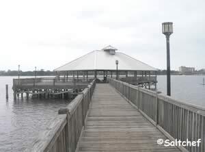 city island park pier